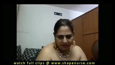 aunty dress change hot indian aunty.wmv 35.89 MB