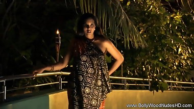 Th eLook Of Love From Indian MILF Works Every Time
