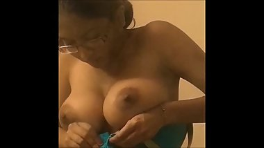 Indian Candid tits bouncing out of bra