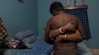Indian Married Couple Fucking in their Room