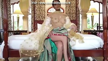 Poonam Pandey Bollywood actress strip tease in kamasutra 3d