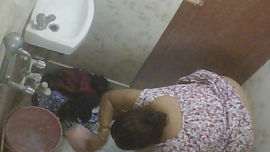 BBW Mature Indian Bengali Milf Rina Washing In Bathroom