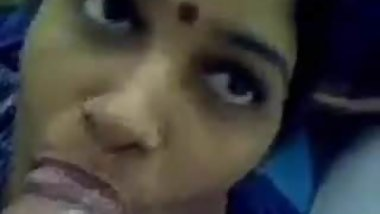 Hot Indian Aunty Suck Big Cock