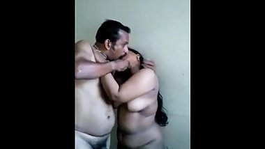 desi indian aunty having sex with uncle for 100 rupees