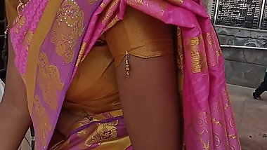 Tamil hot young girl side boobs in saree at temple HD
