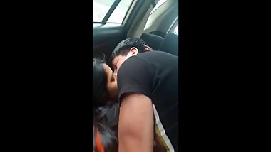 Indian beautiful girl xxx fucked in car