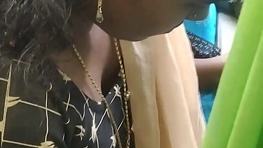 Young Tamil black girl cleavage in Chennai bus