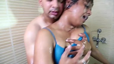 Hot desi shortfilm 155 - Big boobs pressed & grabbed in blue bra, smooch