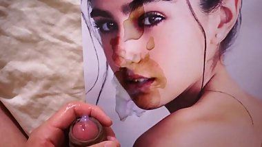Sara Ali Khan - The cum tribute that saved us from WW3