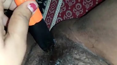 Indian Sub Fucking Her Creamy Pussy With Highlighter