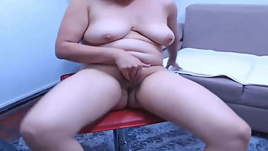 Indian mature hairy pussy