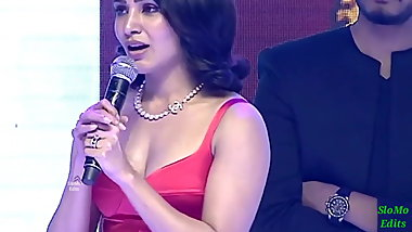 Samantha deep cleavage
