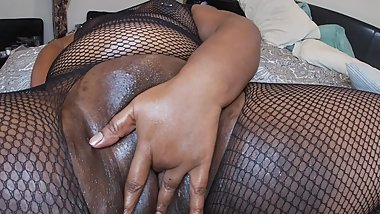 Indian bbw CumSlut Fingers Her Chubby Pussy Awaiting Cock