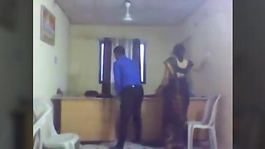 indian Merrid Bhabhi fucking with Boos in Office