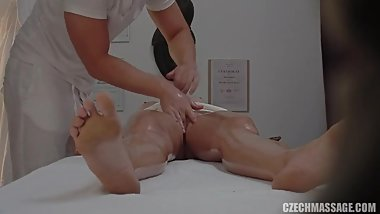 Blonde gets a happy ending massage