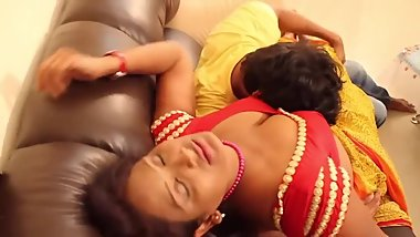 Hot desi shortfilm 294 - Boobs kissed & pressed in blouse, navel kissed
