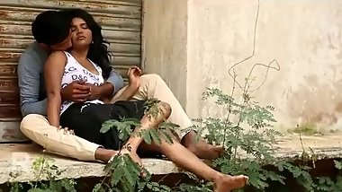 Hot desi shortfilm 174 - Boobs pressed & grabbed many times, cleavage show